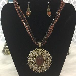 Stunning Earring and Necklace Set